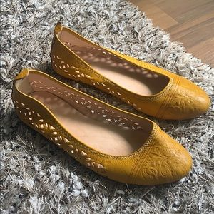 Shoes - Moroccan real leather yellow cutout flats